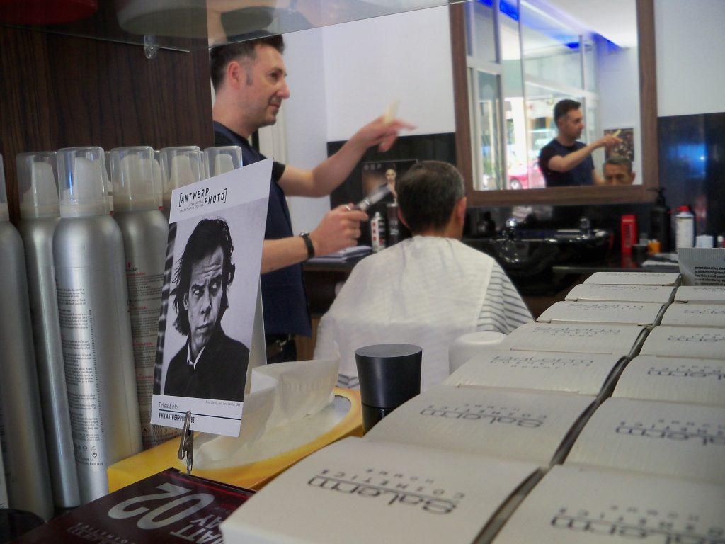 Interior de la peluquería en Zaragoza Arturo Comín