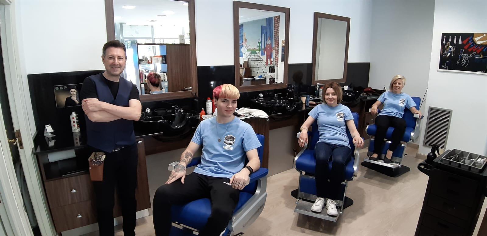 Equipo de peluqueros de la peluquería en Zaragoza Arturo Comín