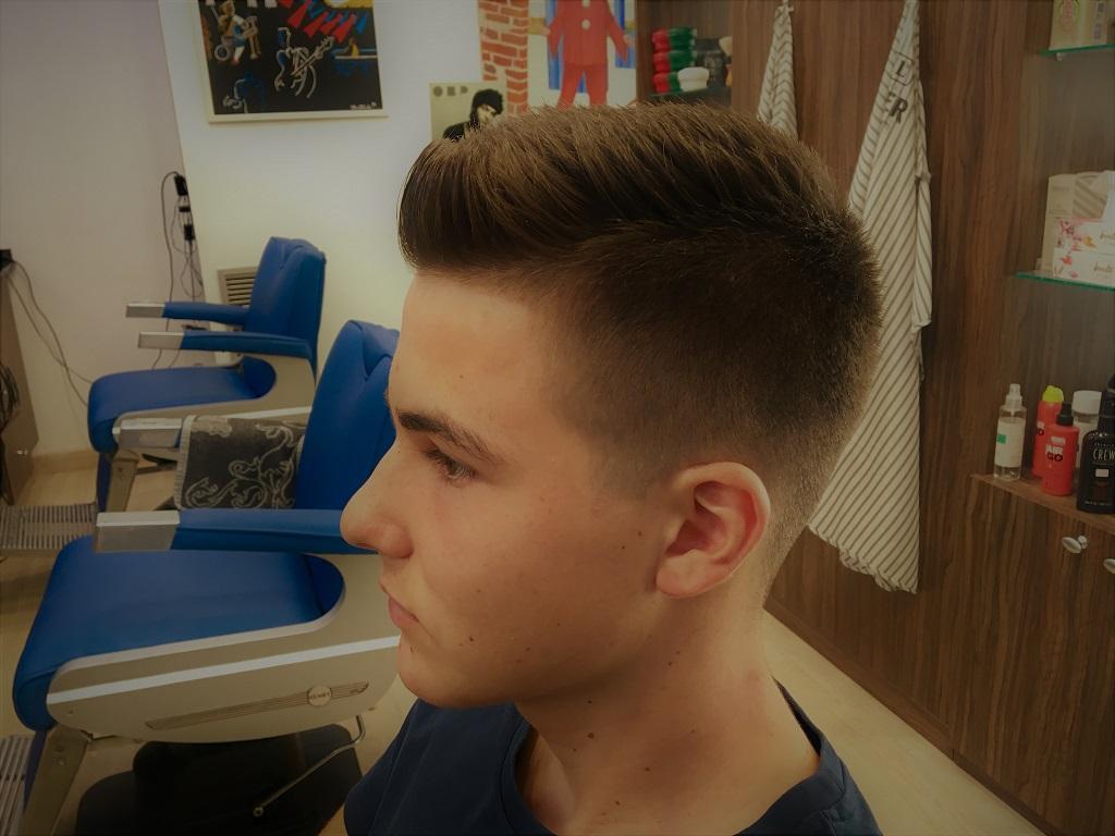 Peluquería en Zaragoza, corte de pelo para adolescentes